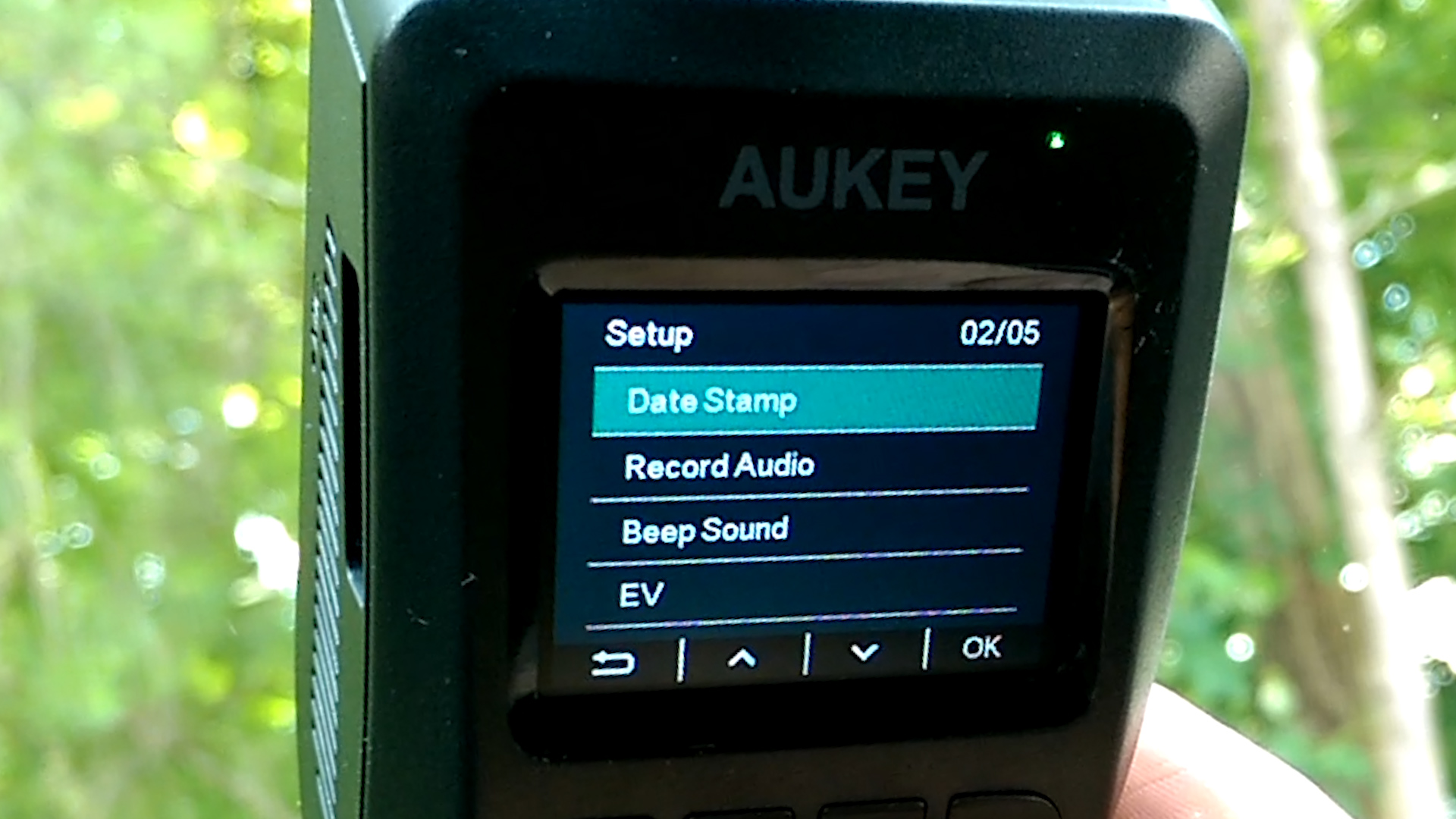 aukey dashcam screen