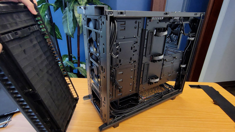 remove front panel from Define 7